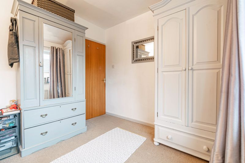 4 bed house for sale in Leavale Road  - Property Image 16