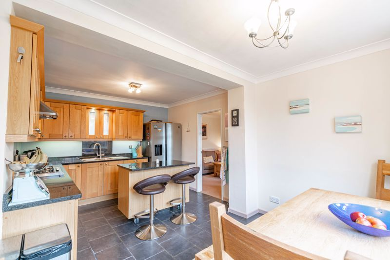 4 bed house for sale in Leavale Road 20