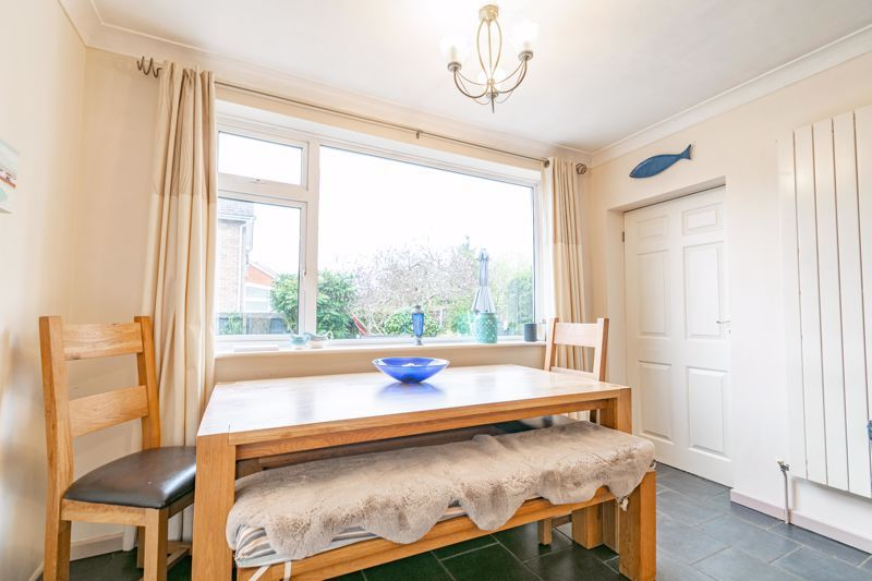 4 bed house for sale in Leavale Road 6