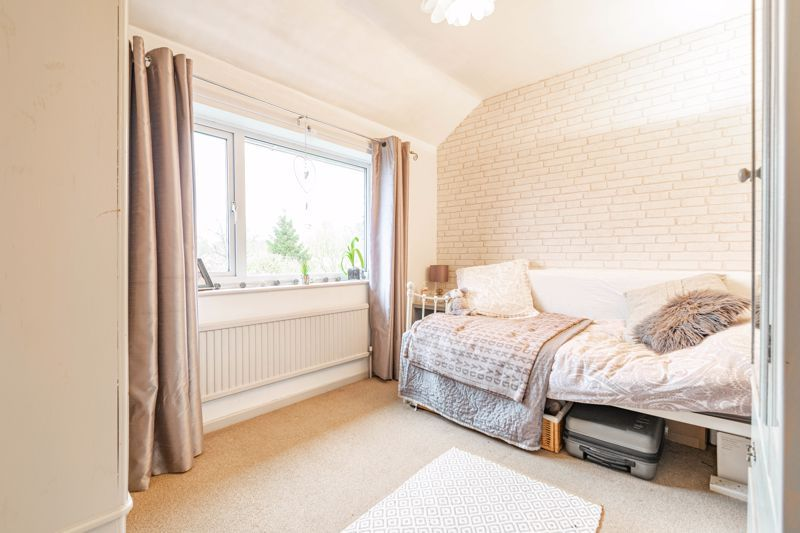 4 bed house for sale in Leavale Road  - Property Image 8