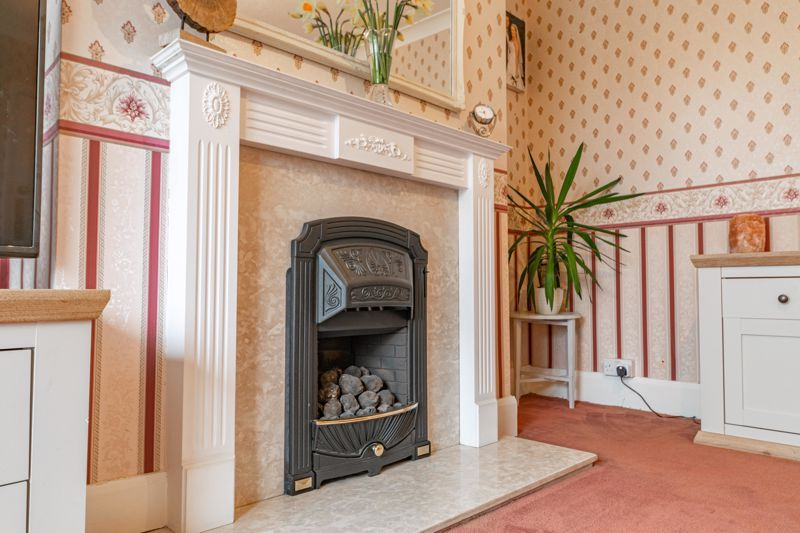 3 bed house for sale in Frankley Avenue 14