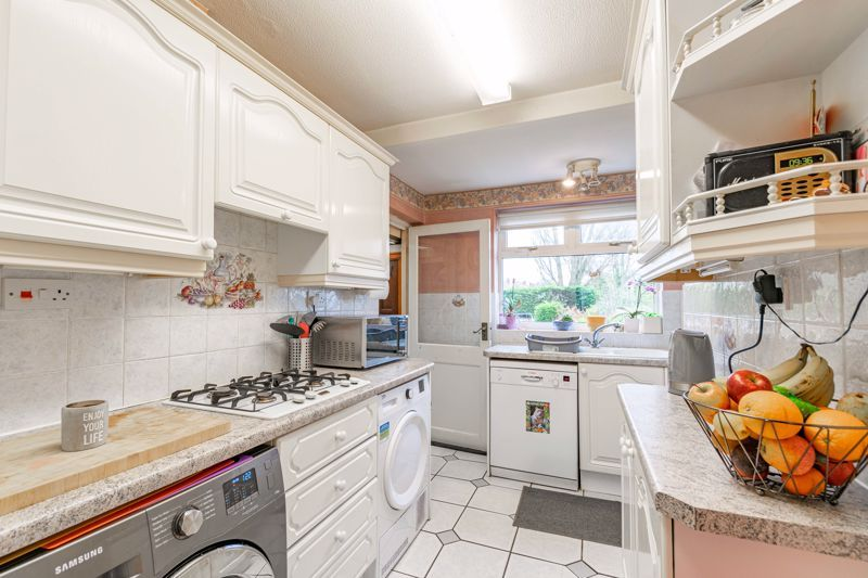 3 bed house for sale in Frankley Avenue 4