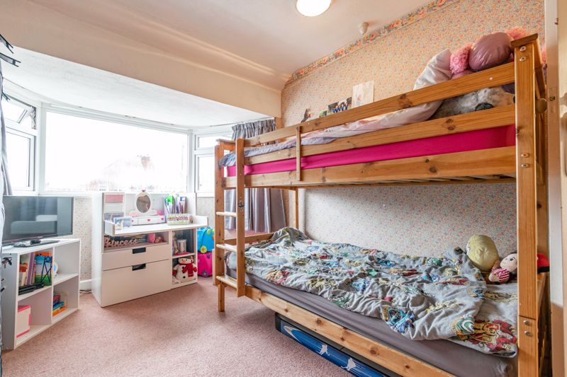3 bed house for sale in Frankley Avenue 8
