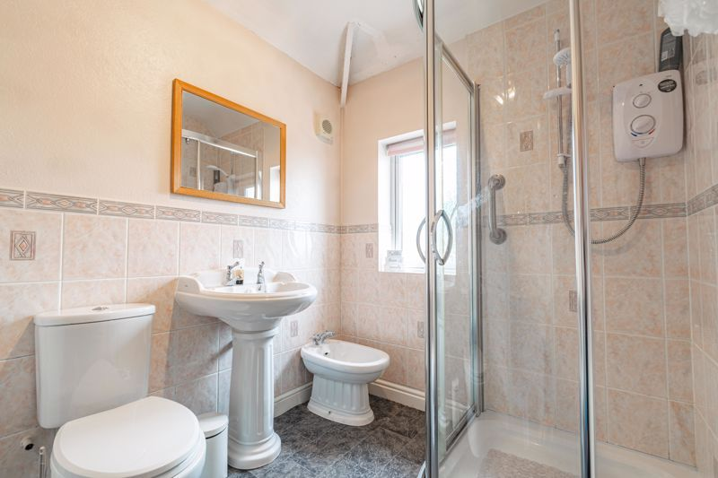 3 bed house for sale in Frankley Avenue 9