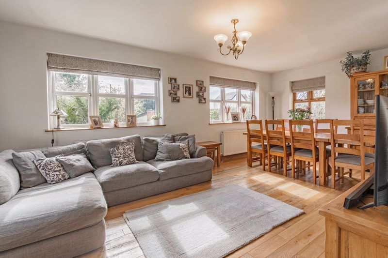 4 bed house for sale in Parish Hill 2