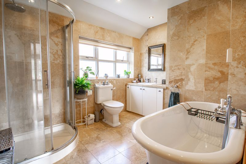4 bed house for sale in Parish Hill 11