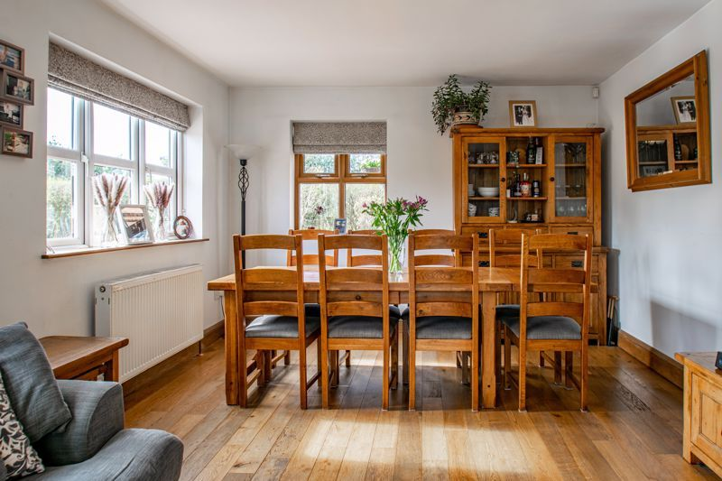 4 bed house for sale in Parish Hill 4