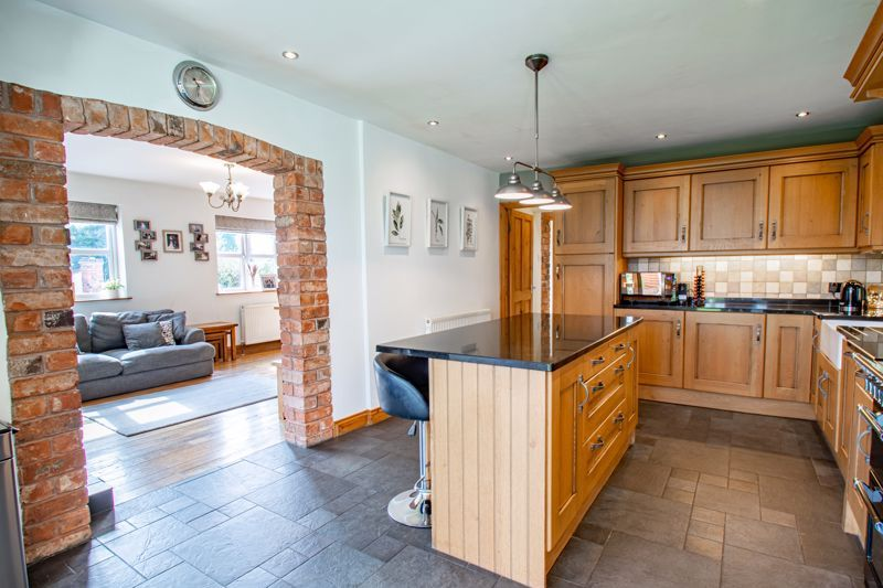 4 bed house for sale in Parish Hill  - Property Image 5