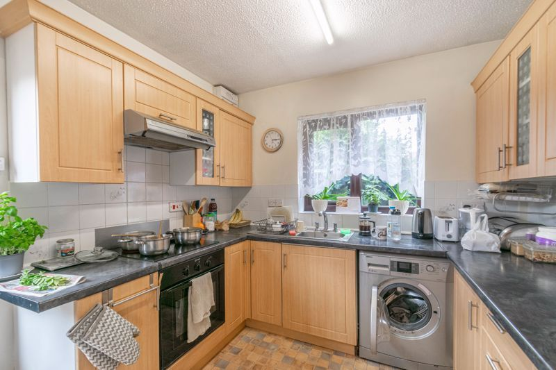 2 bed bungalow for sale in Prophets Close  - Property Image 2