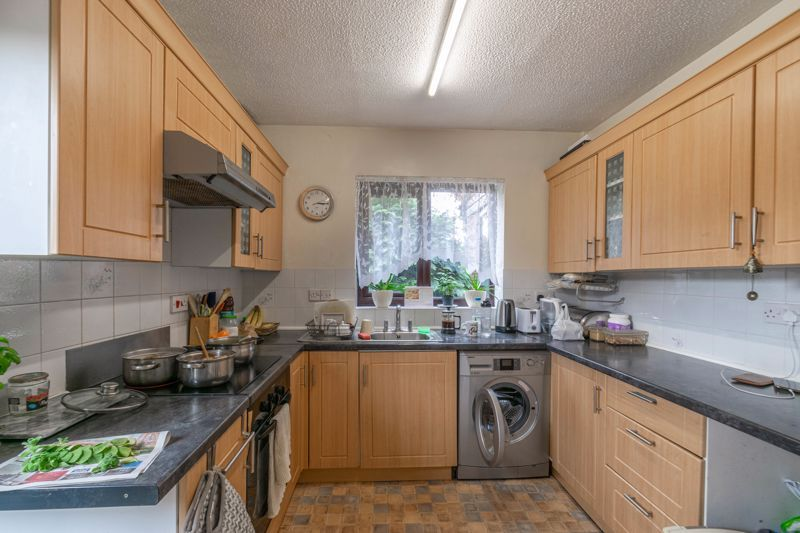 2 bed bungalow for sale in Prophets Close  - Property Image 3