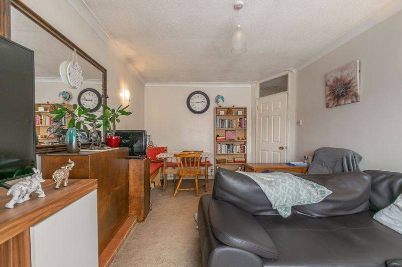 2 bed bungalow for sale in Prophets Close 5
