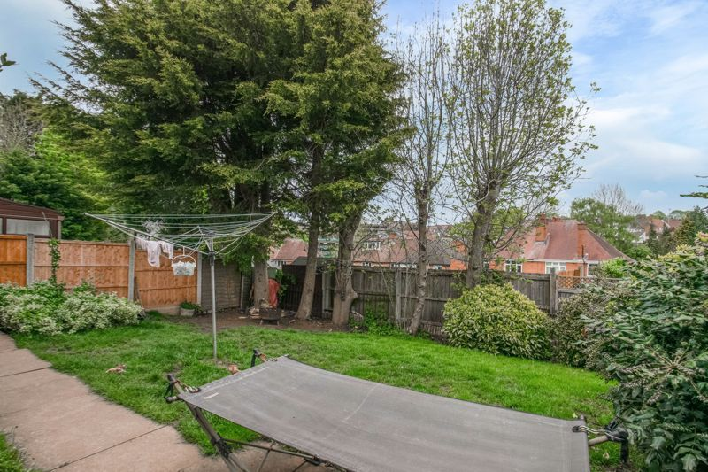 2 bed bungalow for sale in Prophets Close 8