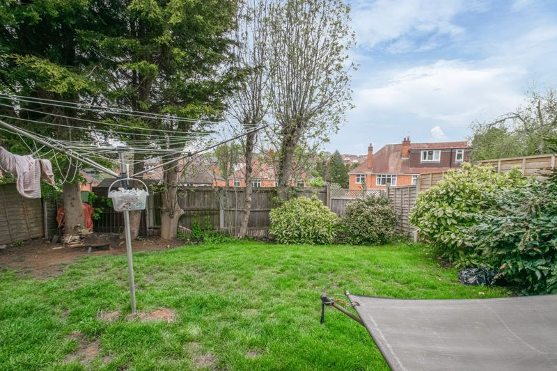 2 bed bungalow for sale in Prophets Close 9