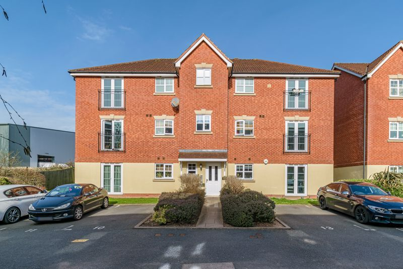 2 bed flat for sale in Railway Walk - Property Image 1