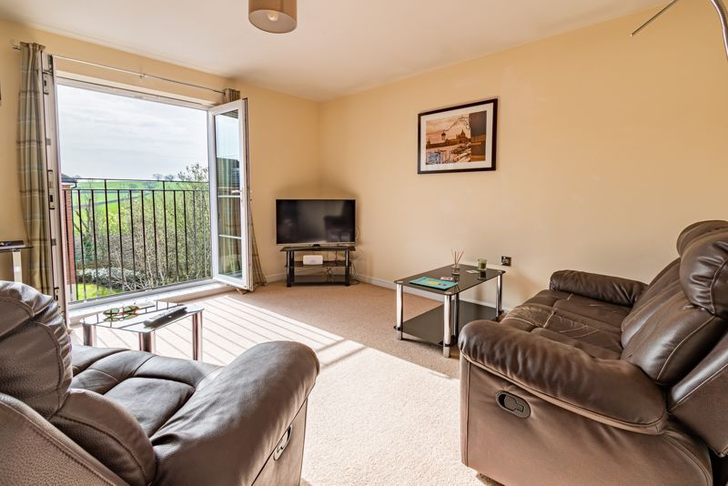 2 bed flat for sale in Railway Walk  - Property Image 2
