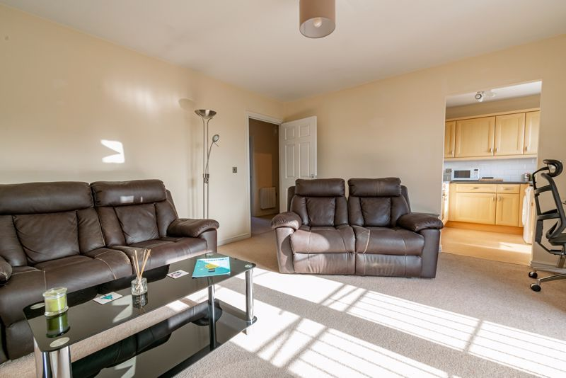2 bed flat for sale in Railway Walk  - Property Image 3