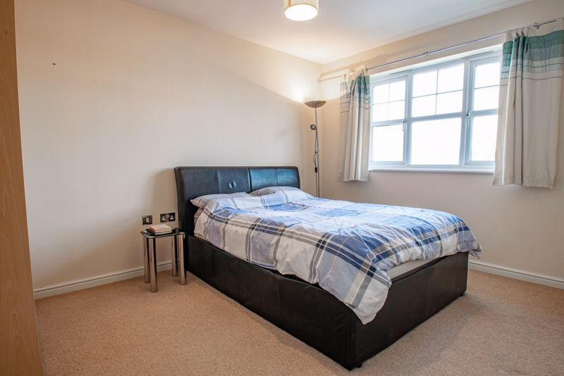2 bed flat for sale in Railway Walk  - Property Image 7