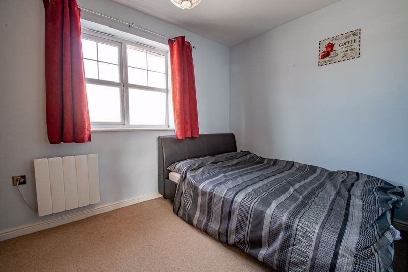 2 bed flat for sale in Railway Walk  - Property Image 9