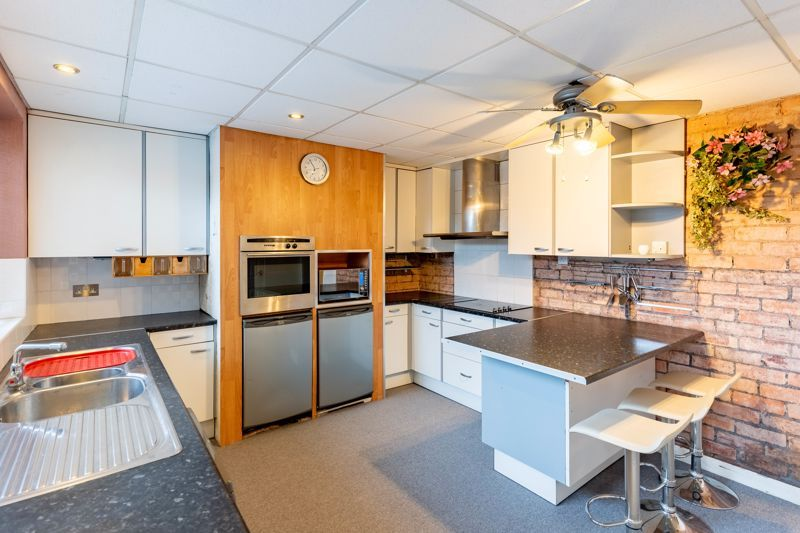 3 bed house for sale in Cook Avenue  - Property Image 5
