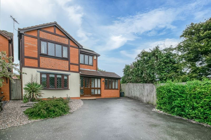 4 bed house for sale in Badbury Gardens - Property Image 1