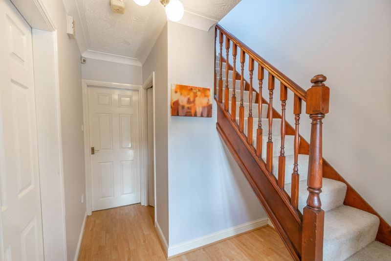 4 bed house for sale in Badbury Gardens 2