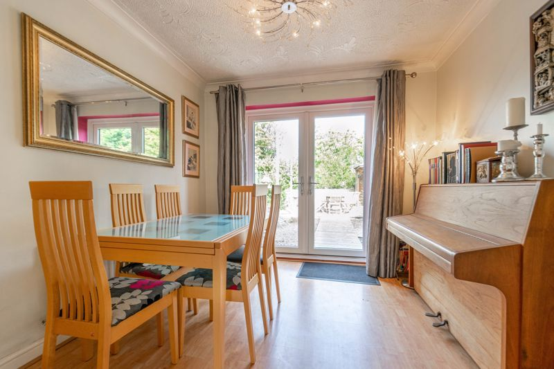 4 bed house for sale in Badbury Gardens 5