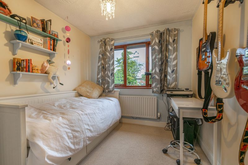 4 bed house for sale in Badbury Gardens  - Property Image 10