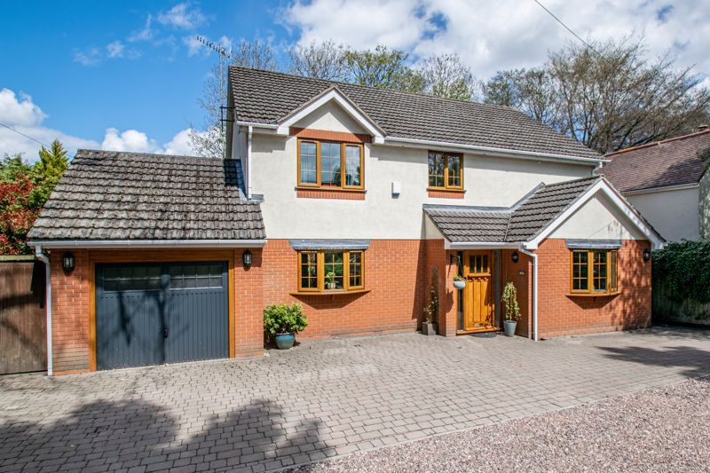 4 bed house for sale in Birmingham Road 1