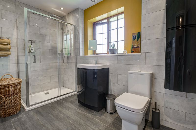 4 bed house for sale in Birmingham Road 11