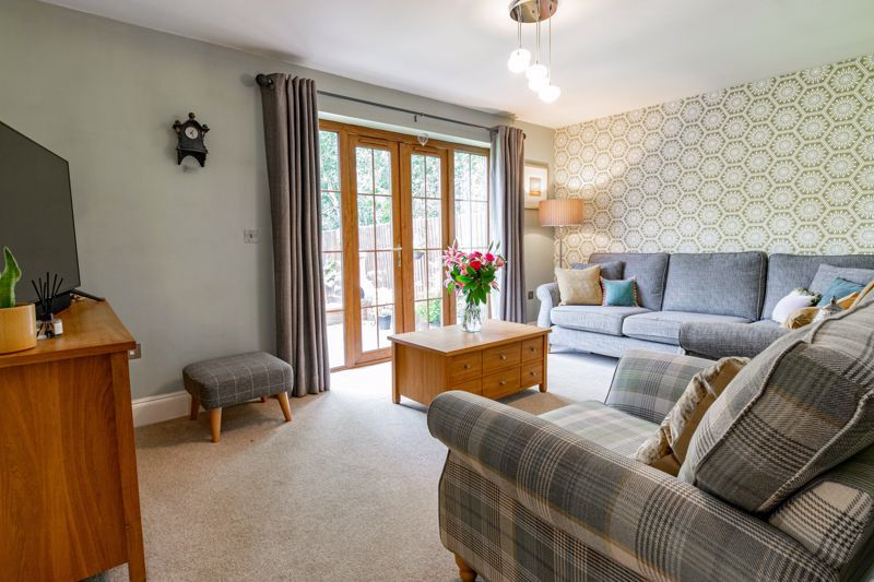 4 bed house for sale in Birmingham Road 4