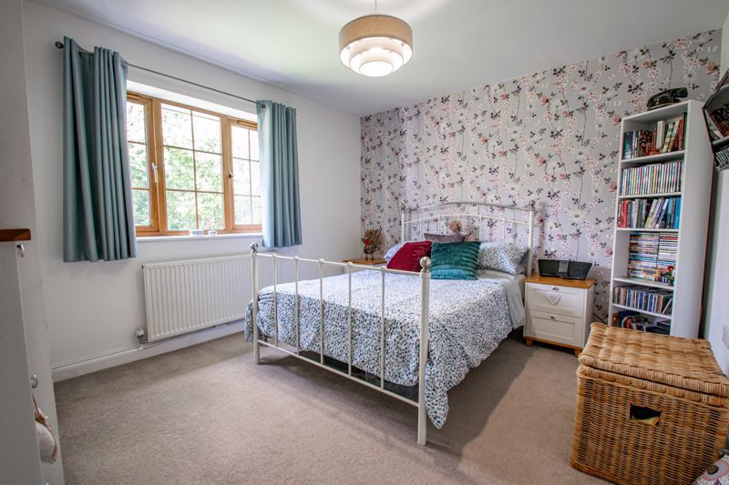 4 bed house for sale in Birmingham Road 7