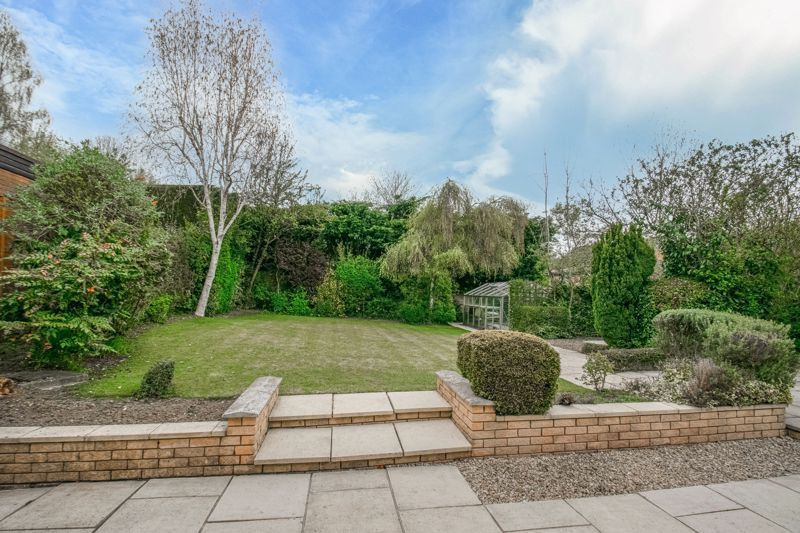 4 bed house for sale in Lechlade Close  - Property Image 14
