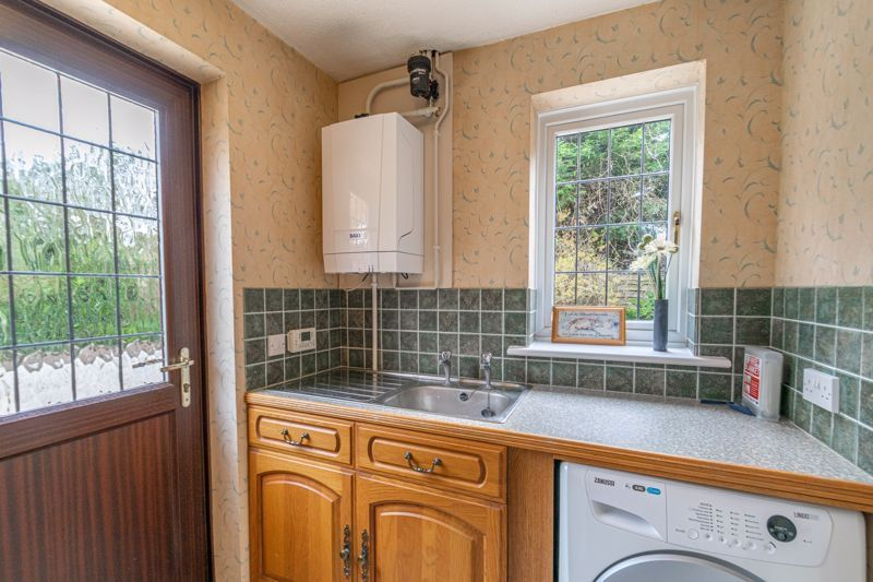 4 bed house for sale in Lechlade Close  - Property Image 19