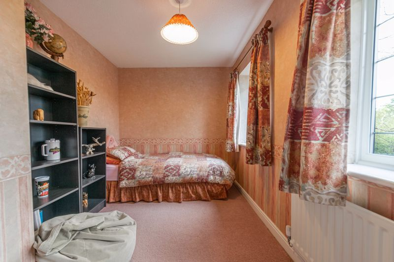 4 bed house for sale in Lechlade Close  - Property Image 10