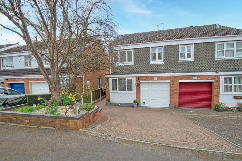 3 bed house for sale in Scafell Road  - Property Image 1