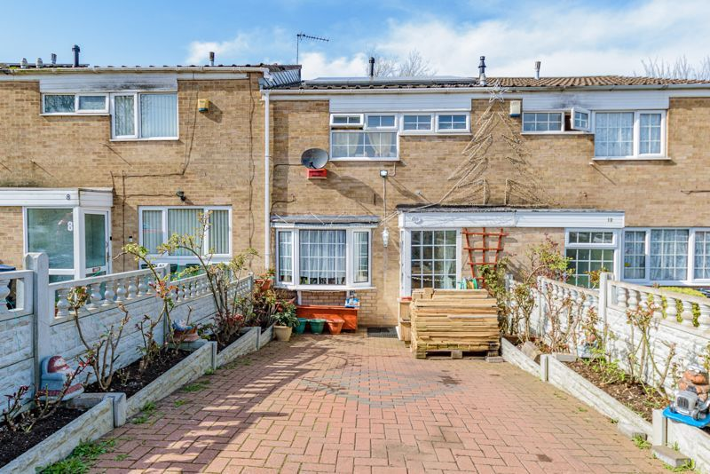 3 bed house for sale in Upper Close 1