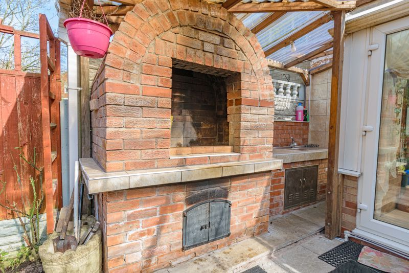 3 bed house for sale in Upper Close 14