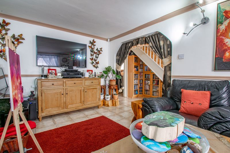 3 bed house for sale in Upper Close 3