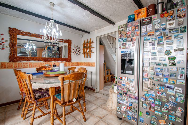 3 bed house for sale in Upper Close 6