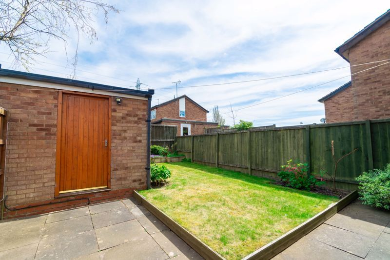 2 bed house for sale in Chantry Drive 16
