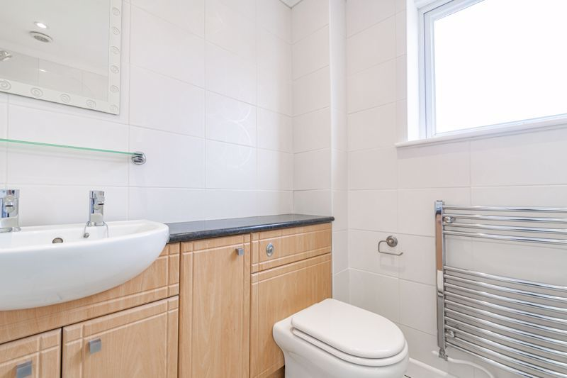 2 bed house for sale in Chantry Drive 9