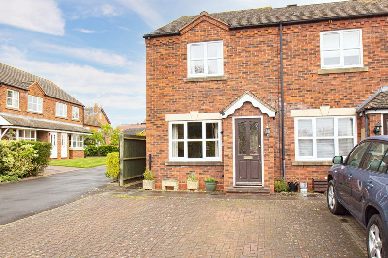 2 bed house for sale in Dewsbury Close 14