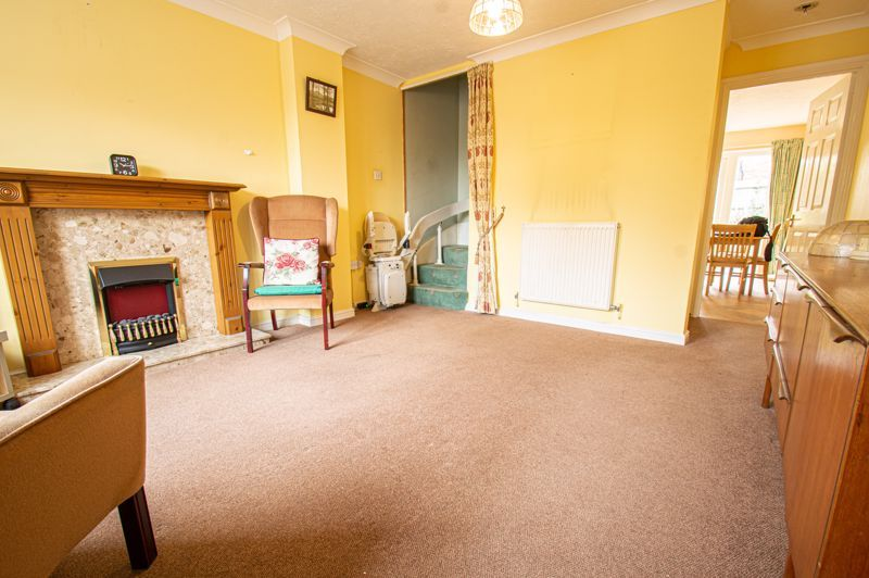 2 bed house for sale in Dewsbury Close 3