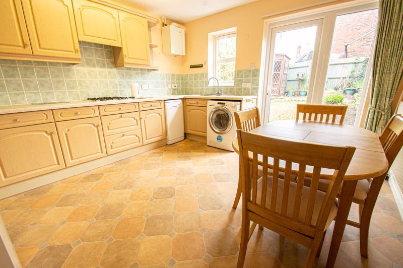 2 bed house for sale in Dewsbury Close 4