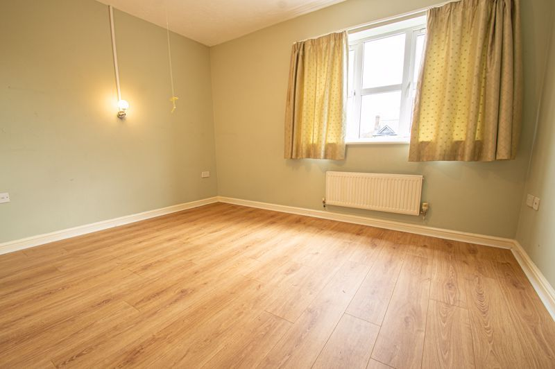 2 bed house for sale in Dewsbury Close 6
