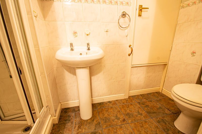 2 bed house for sale in Dewsbury Close 7
