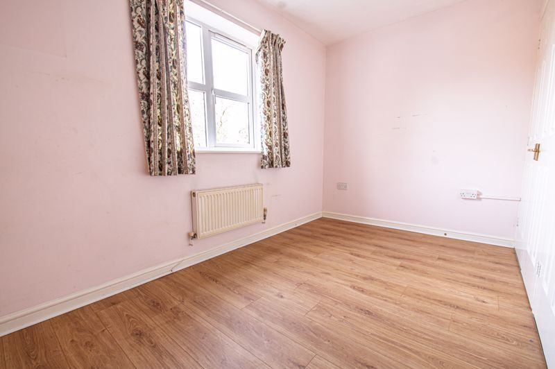 2 bed house for sale in Dewsbury Close 8