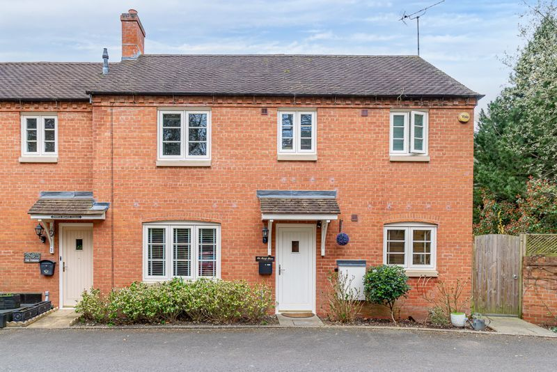 3 bed house for sale in Mill Court  - Property Image 1