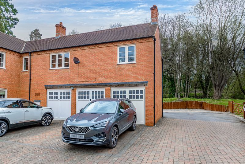 3 bed house for sale in Mill Court 13