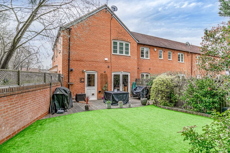 3 bed house for sale in Mill Court 14